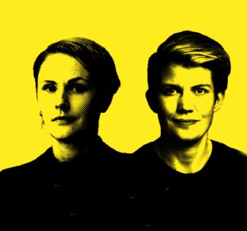 Porträtt i svart och gult på carolina Hemlin och Ida Måwe.