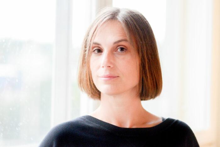 Porträtt framifrån på Klara Arnberg